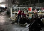 Clothes retailers accused of labour abuses in Cambodia - BBC News | Recurso educativo 751883