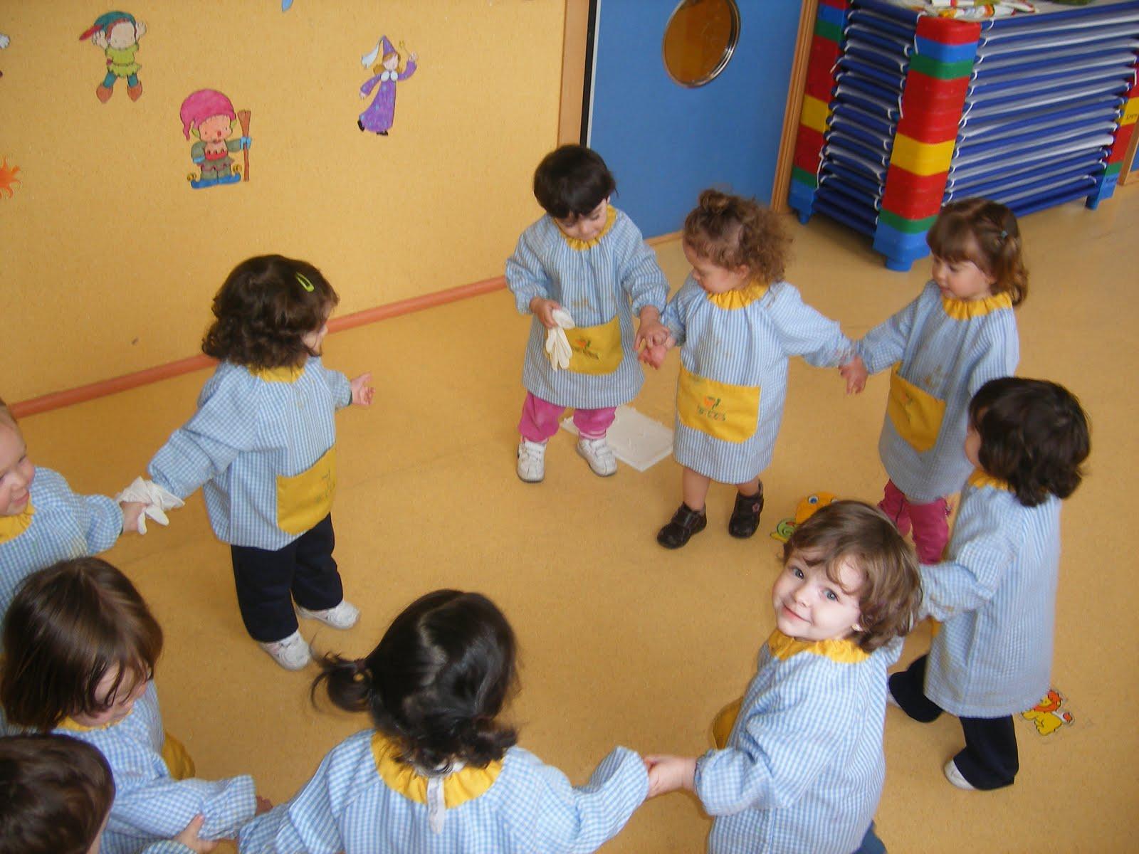 Ni os jugando al corro de la patata recurso educativo for Actividades para jardin infantil