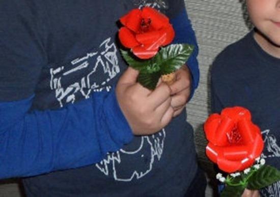 Www Como Hacer Flores De Latas De Refrescos Mejor Rosas Con Latas De Refresco Manualidades